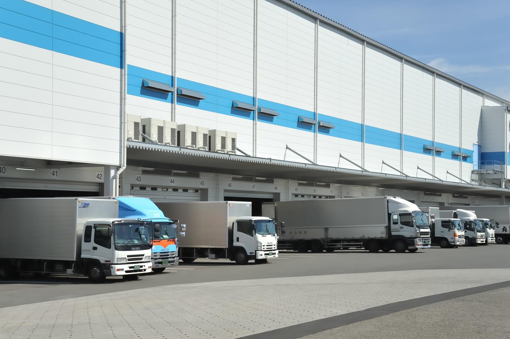 冷蔵・冷凍輸送|物流センター